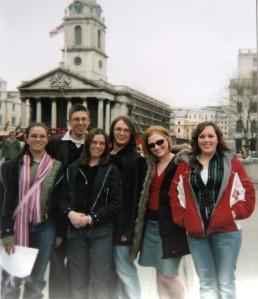 Scavenger hunt at Trafalgar Square by Juliamaud