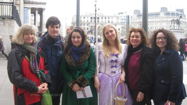 Easter Treasure Hunters  in Trafalgar Square.copyright Juliamaud