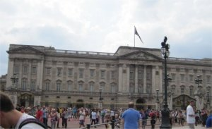Buckingham Palace by Juliamaud