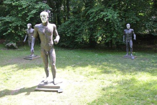 Elisabeth Frink: Riace Figures II, III, IV - photo by Juliamaud