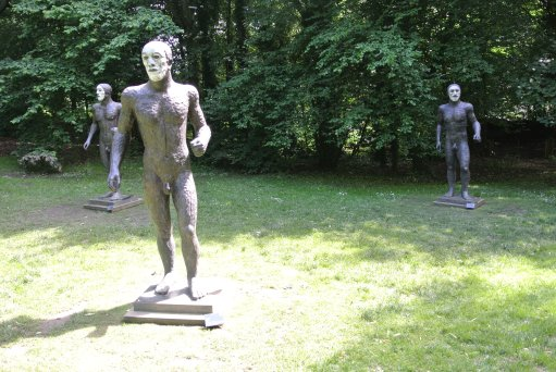 Elisabeth Frink: Riace Figures II, III, IV - photo by Juliamaud