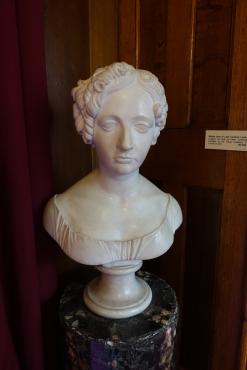 Marble bust of Lady Caroline Lamb - photo by Juliamaud