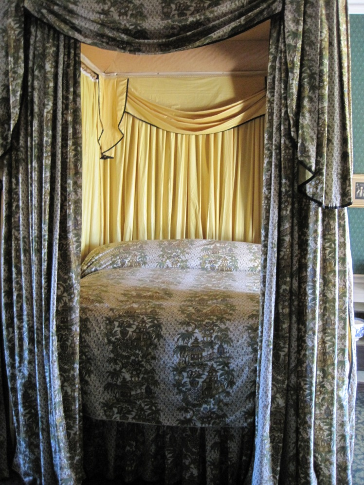 Lord Byron's bed at Newstead Abbey - photo by Juliamaud
